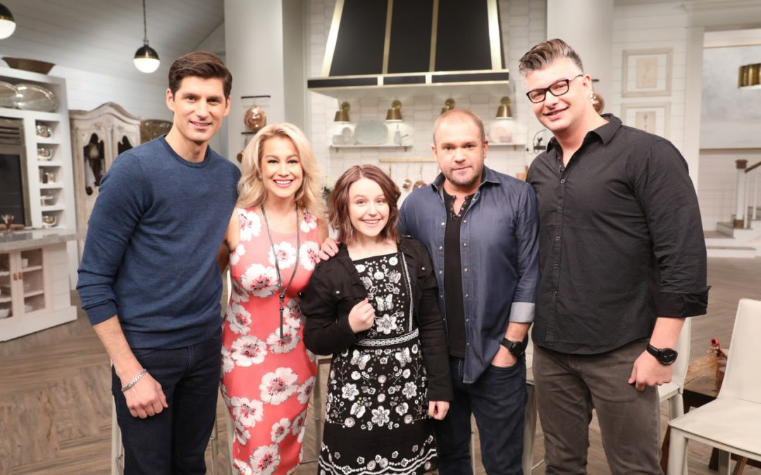 EmiSunshine performs on Pickler & Ben